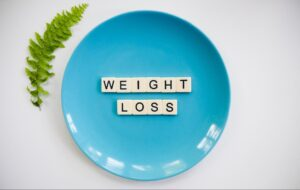 Blue and white round plate photo (weight loss)